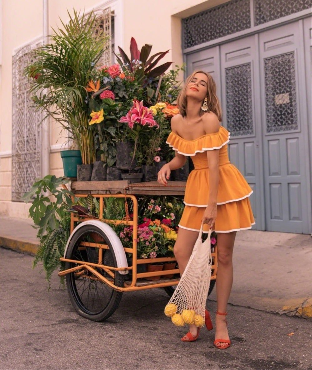 Showing off Kitik in Yucatan.  photo cred: Chelsea Anne, Stephanie Hill. As seen on https://www.instagram.com/thestylebungalow