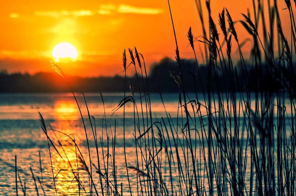 lake-696098_1280.jpg