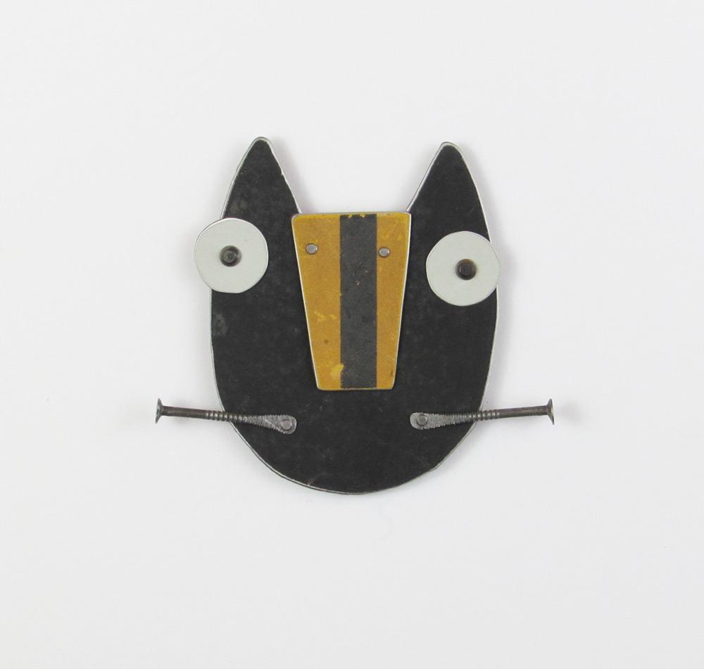 black-cat-roadsign-nose.jpg