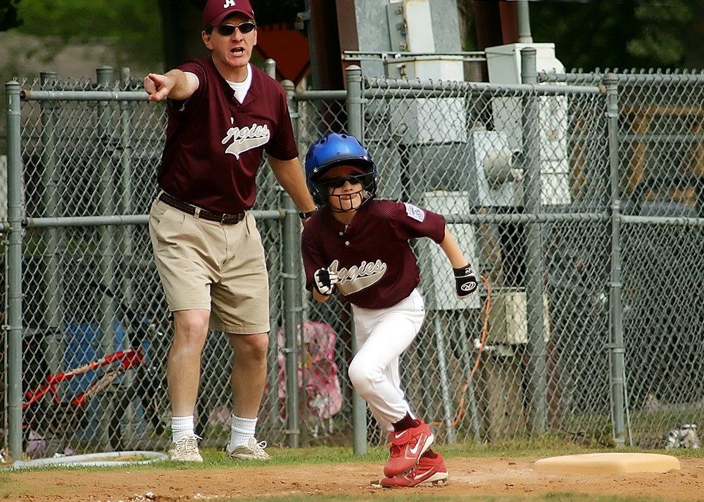 baseball-runner-coach-little-league-163308.jpeg