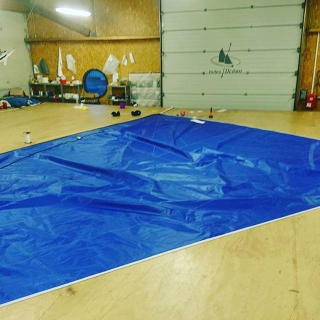 Petit genaker bleu au plancher ce matin