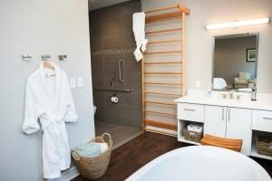 birth suite bed bath