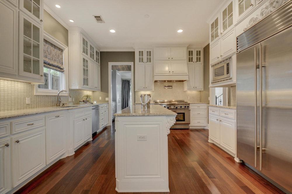 1503 Murray Ln-large-017-25-Kitchen and Breakfast 357-1500x1000-72dpi.jpg