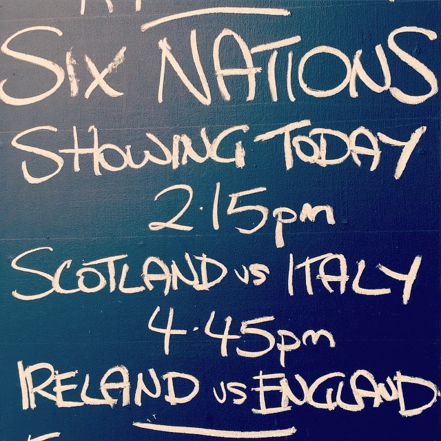 Down at the tanner, watching the rugby with a great beer and a burger. Sounds like a great Saturday to me.  #simonthetanner #sixnations #londonpub #londonsaturday