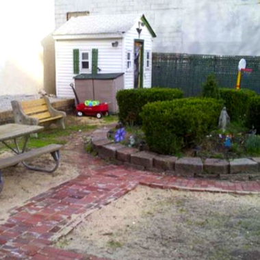 Sergeant Street Garden -