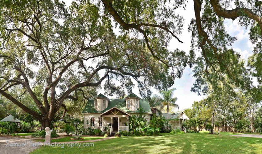 Oak Tree Manor -