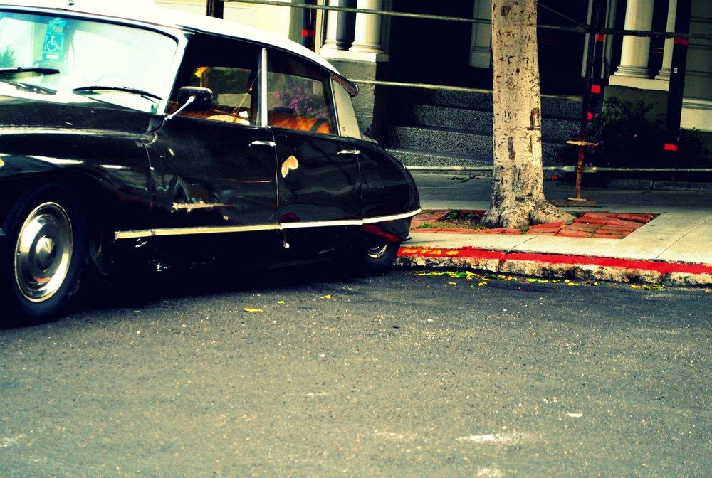 vintage car c.jpg
