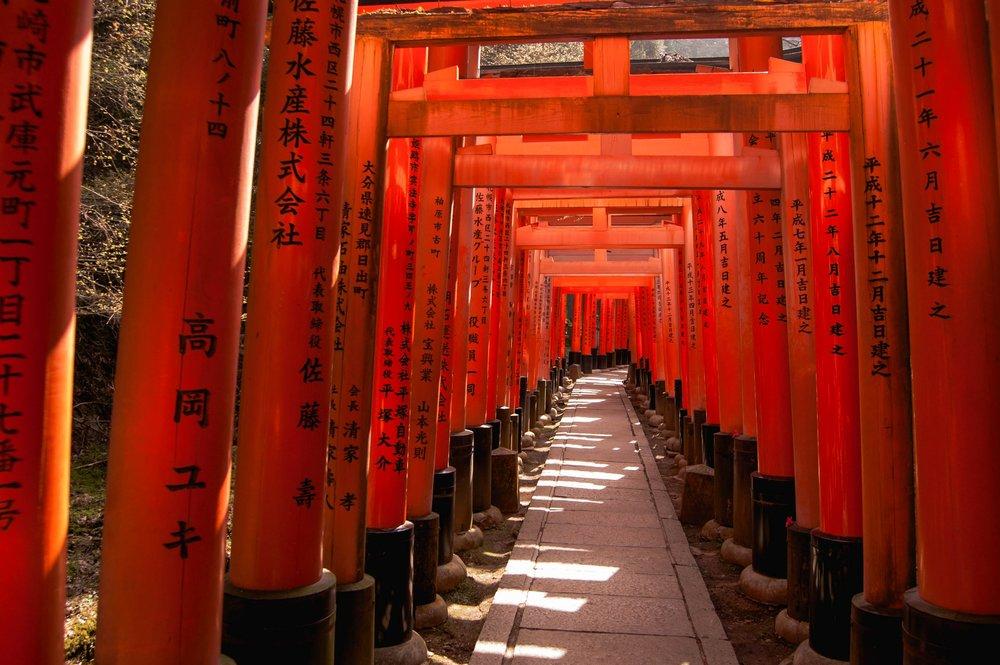 京都には見ているだけでもきれいで楽しい、買いたいお土産がたくさんある