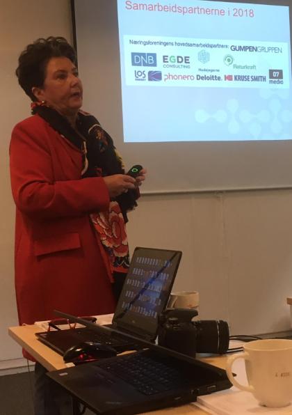 Bild 1. Anita S.Dietrichson, VD på Kristiansands näringsförening och Finlands ambassadör till Norge, Erik Lundberg.