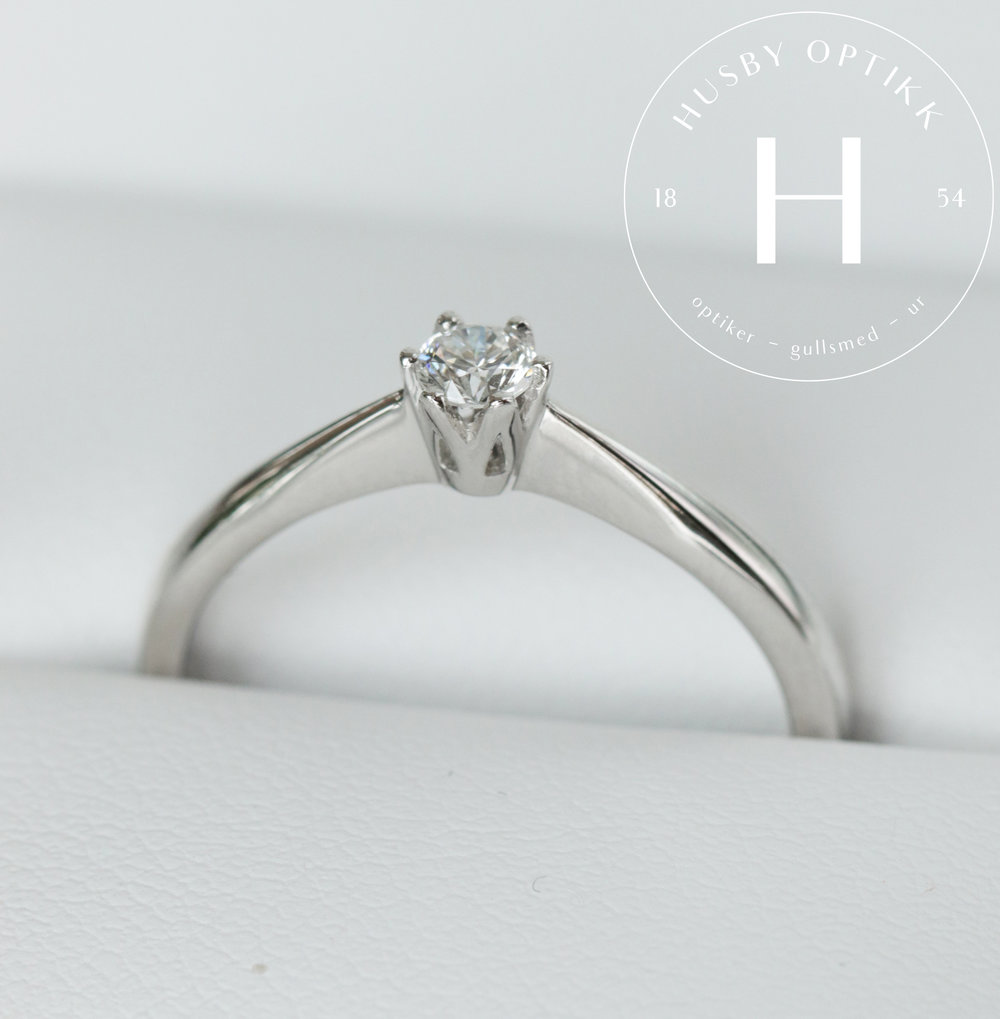 Diamantring 0,15 ct i hvitt gull