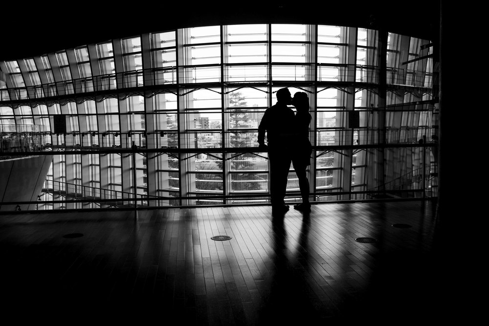 Stylish engagement session (Museum B&W) - Tokyo photography