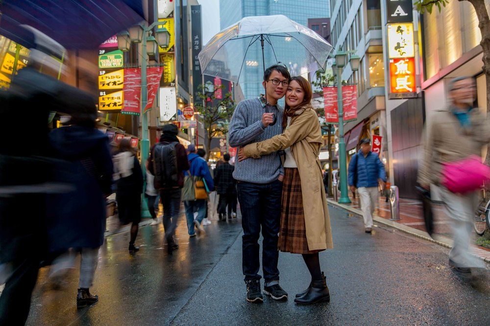 Engagement photo shoot in the rain, Tokyo
