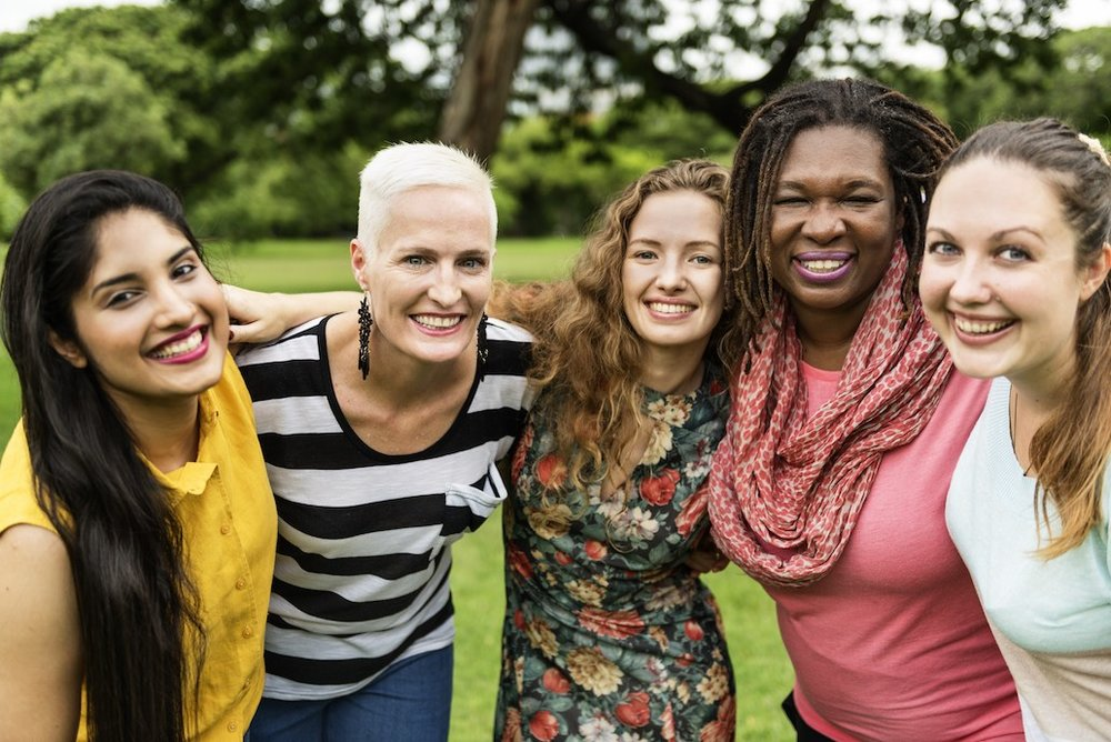 ONLINE WOMEN'S GROUPS BUILDING A COMMUNITY IN REAL LIFE -