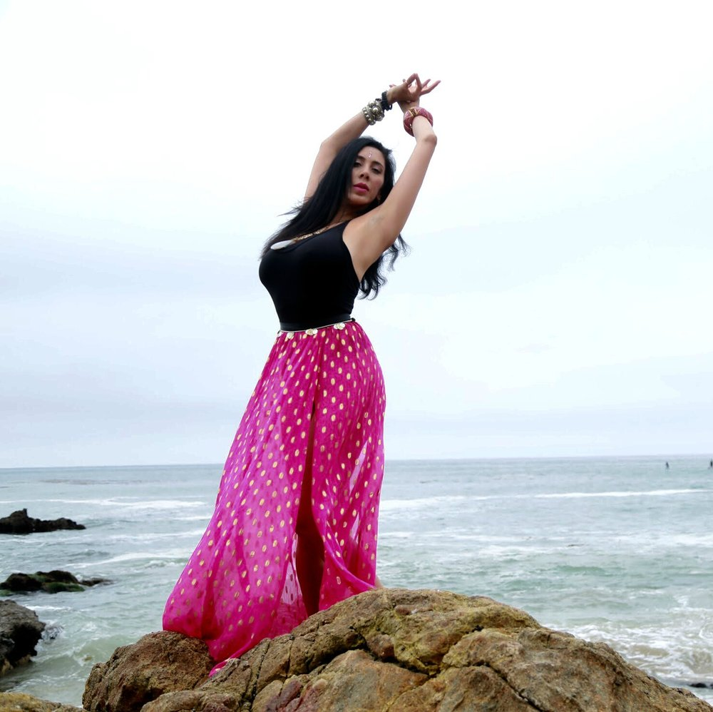 MEET JENNELLE - 36, Tantra Yoga TeacherIrvine, California, USAA SEX TRAFFICKING SURVIVOR AND ADVOCATE WHO GIVES A VOICE TO THOSE WHO HAVE NONE
