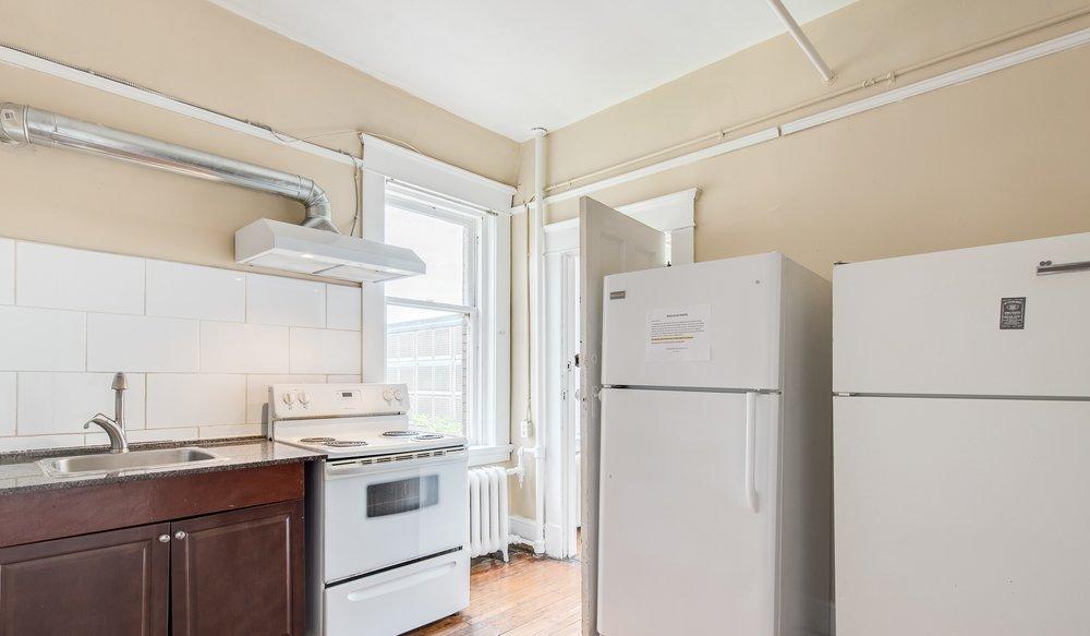 Share kitchen (3).jpg