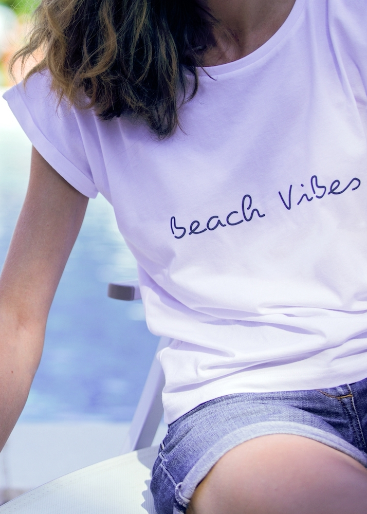 BEACH VIBES - Adopt the just-back-from-vacation look