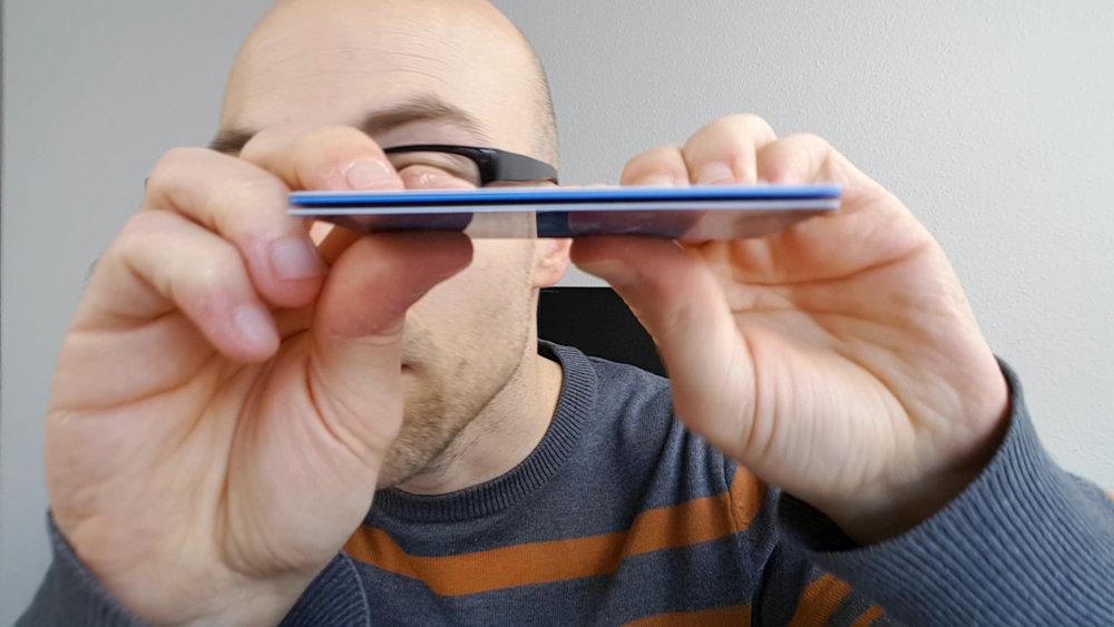Die NFC-Blocker-Karten von Blockify sind nur 0,5 Millimeter dick und passen damit gut in jeden Geldbeutel