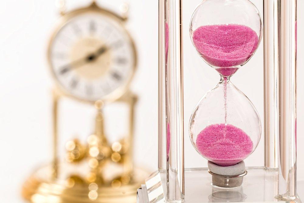 Je mehr Zeit du hast, desto geringer ist die monatliche Sparrate. Deshalb ist es wichtig, früh anzufangen