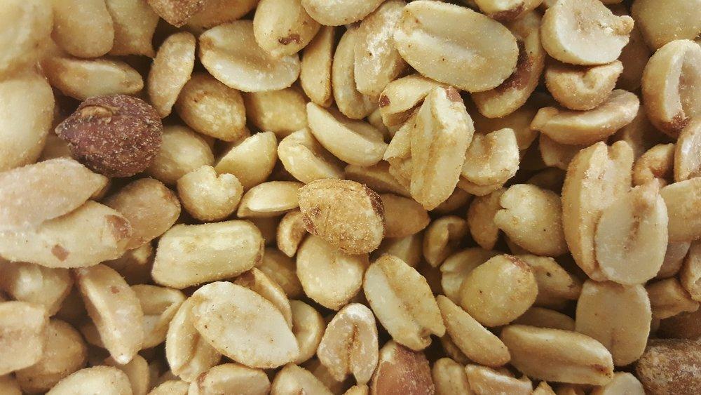 peanuts-1276100_1920.jpg