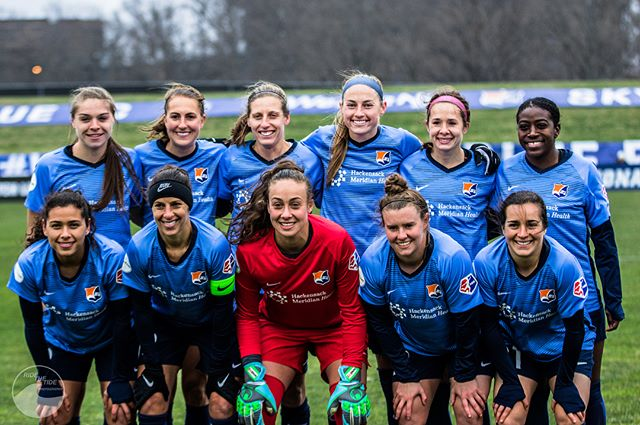 @reignfc or shine, it felt great to be back on the sideline with @skybluefc yesterday. Here's to a great season with hopefully nicer weather.  #skybluefc #newjersey #wearenj #reignfc #seattle  #nwsl #backlinesoccer #canon #ussoccer #sportsphotography #soccer #football #futbol #peakdesign