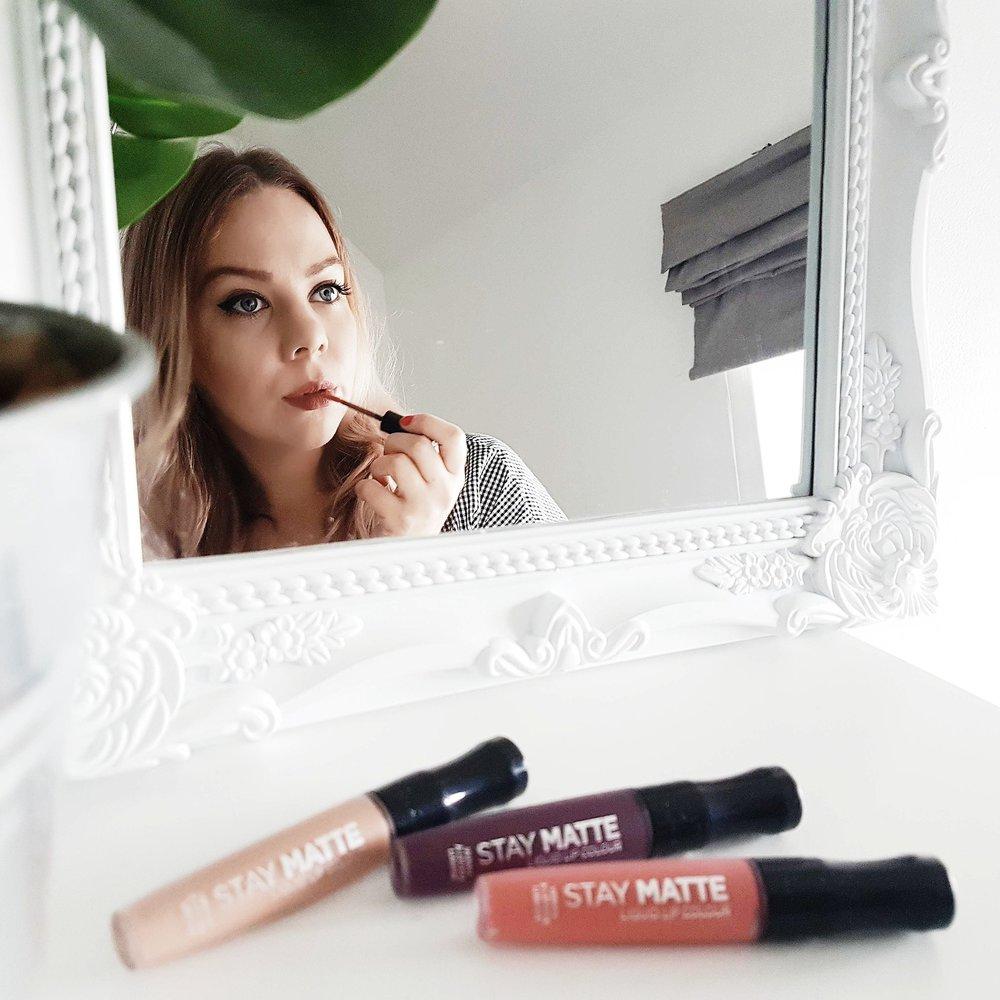 sian-victoria-beauty-blogger-birmingham-rimmel-stay-matte-lipsticks.jpg