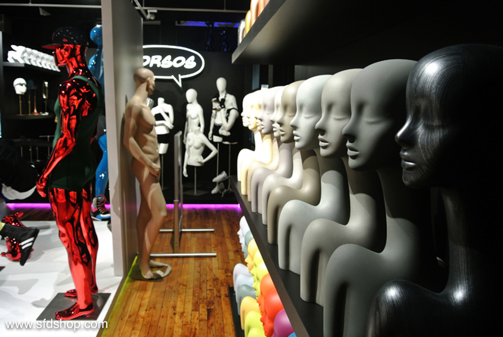 Genesis Mannequin showroom fabricated by SFDS 11.jpg