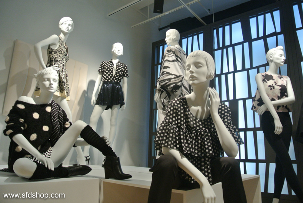 Mondo Mannequins showroom fabricated by SFDS 18.jpg