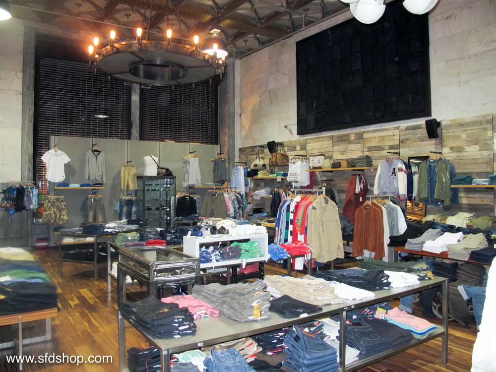 Atrium NYC store fabricated by SFDS 10.jpg