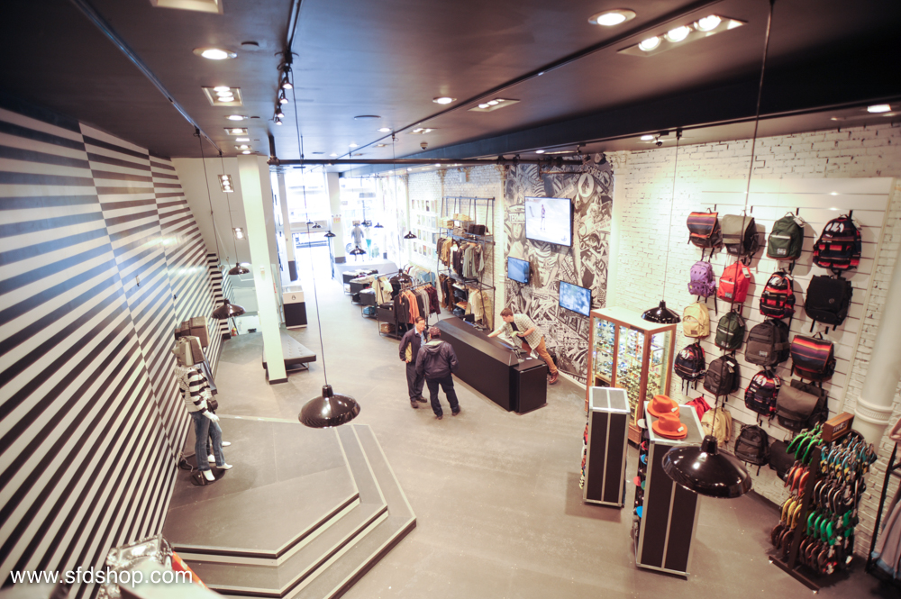 Volcom flagship store NYC fabricated by NYC 36.jpg
