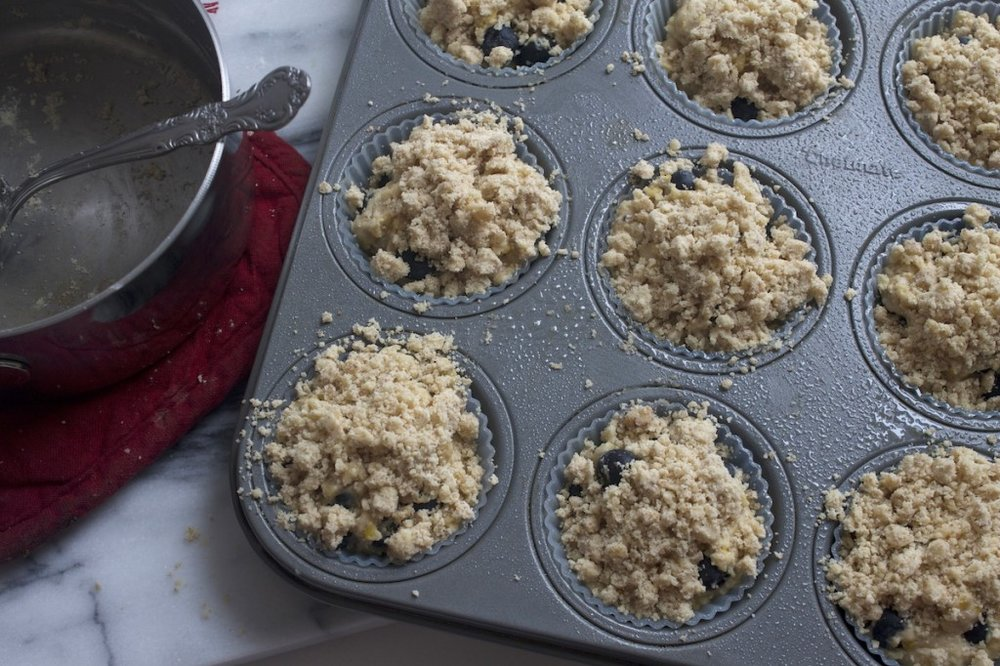 blueberry-muffins-with-crumb-topping-1024x682.jpg