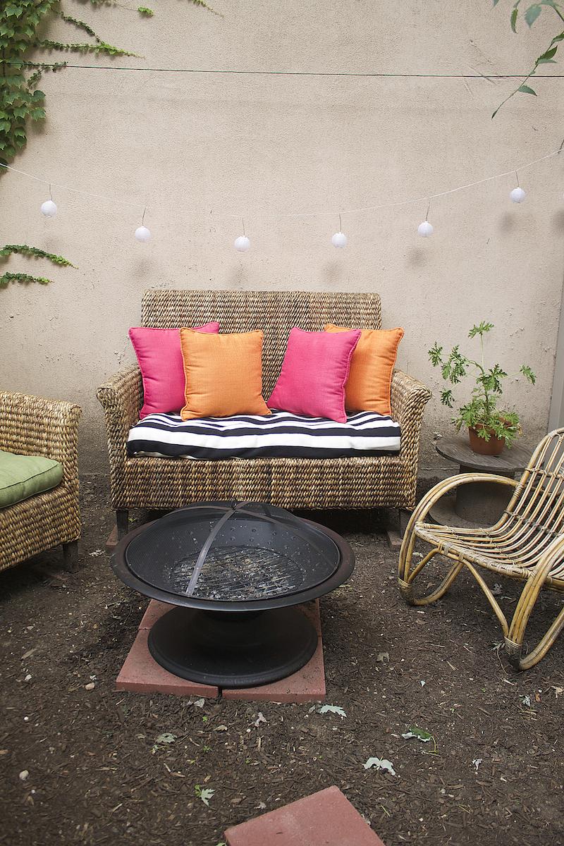 Pier-1-outdoor-couch.jpg