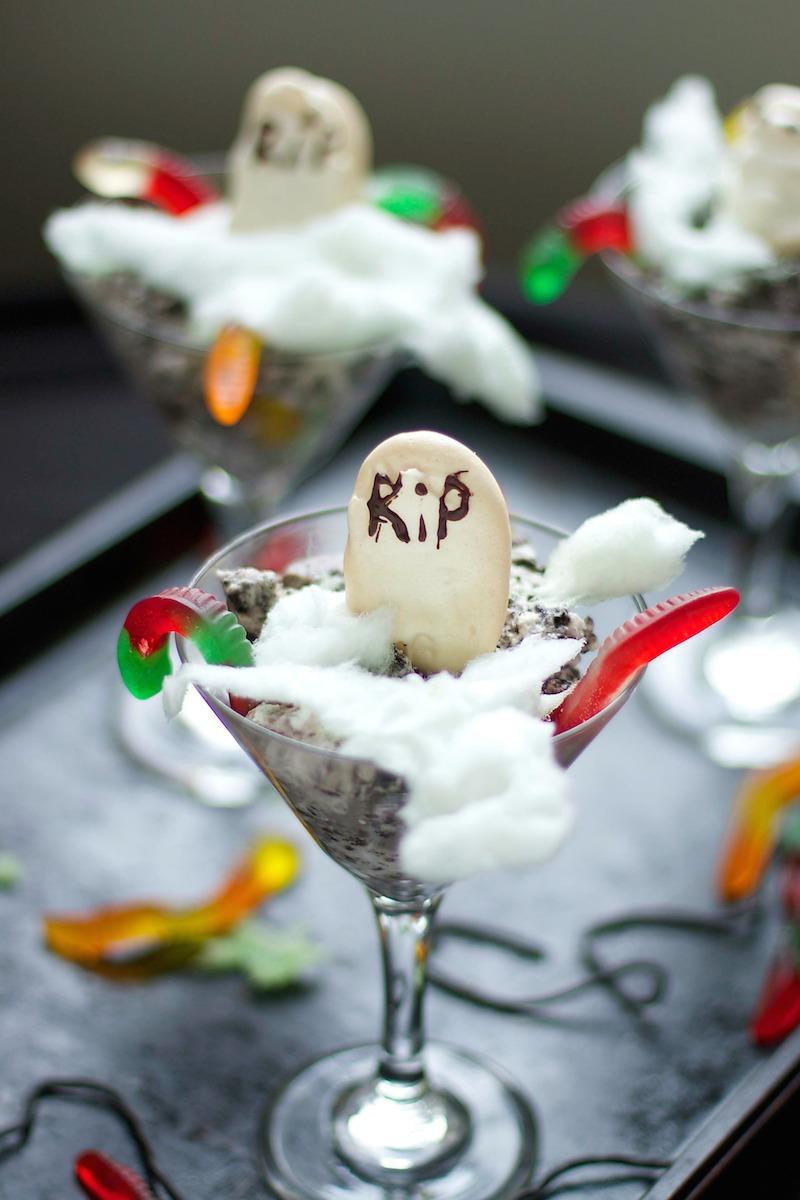 Halloween-Desserts.jpg