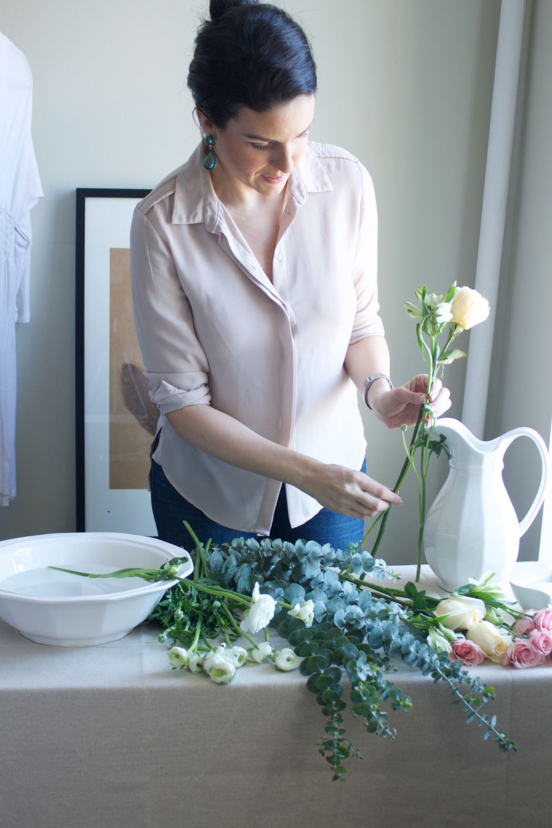 sizing-flowers-for-an-arrangment.jpg
