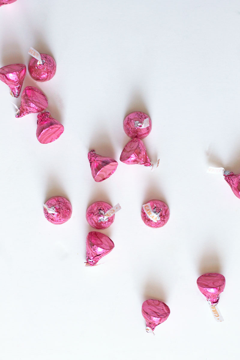 Valentines-Day-Hershey-Kisses.jpg