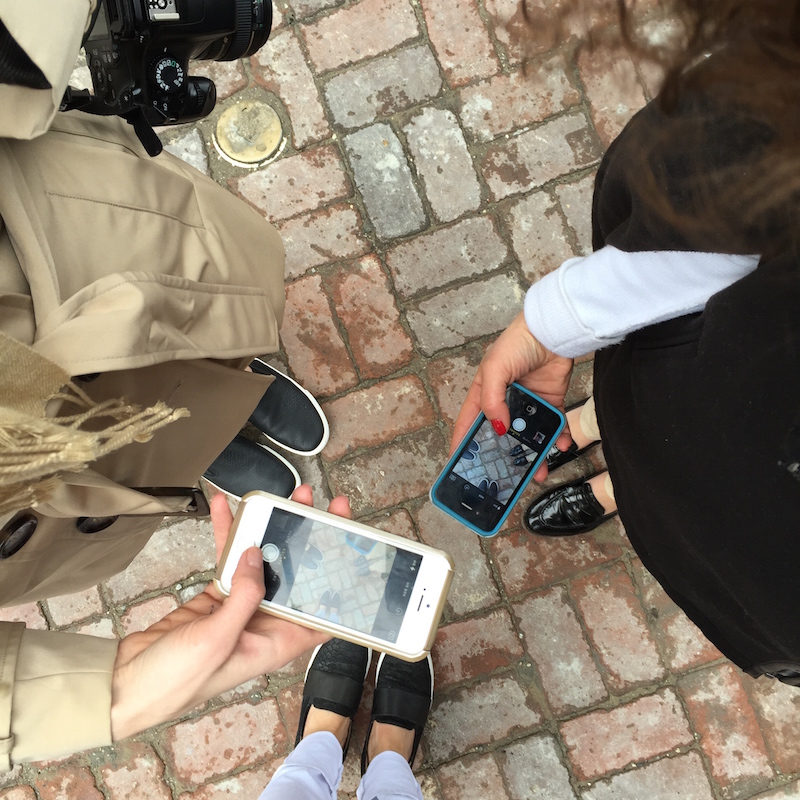 bloggers-Instagramming.jpg