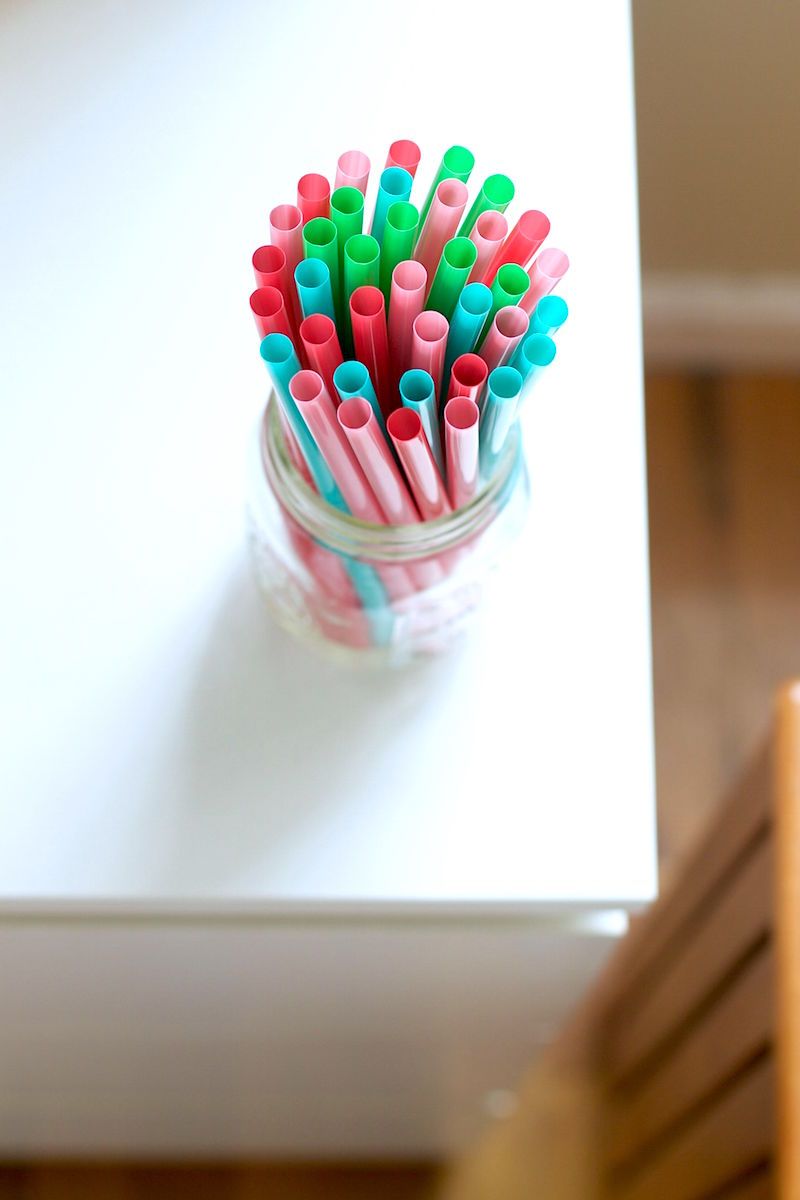 colored-straws.jpg