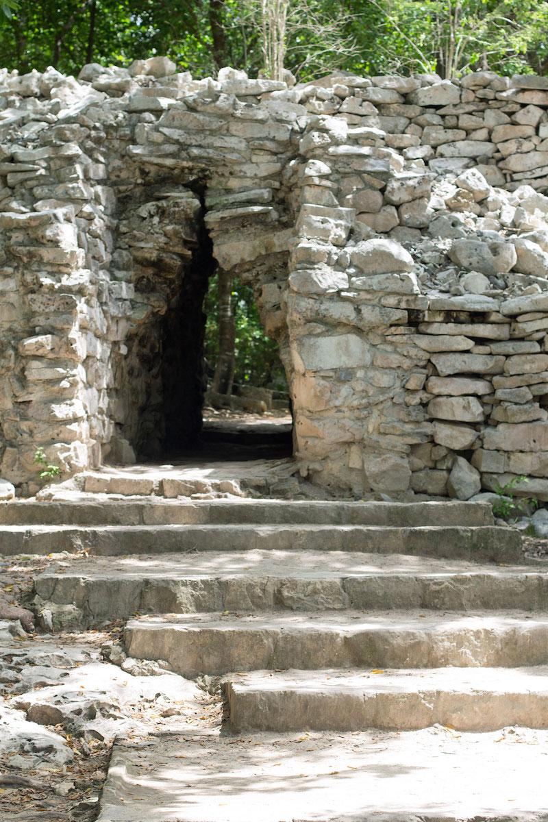 ruins-in-Tulum.jpg