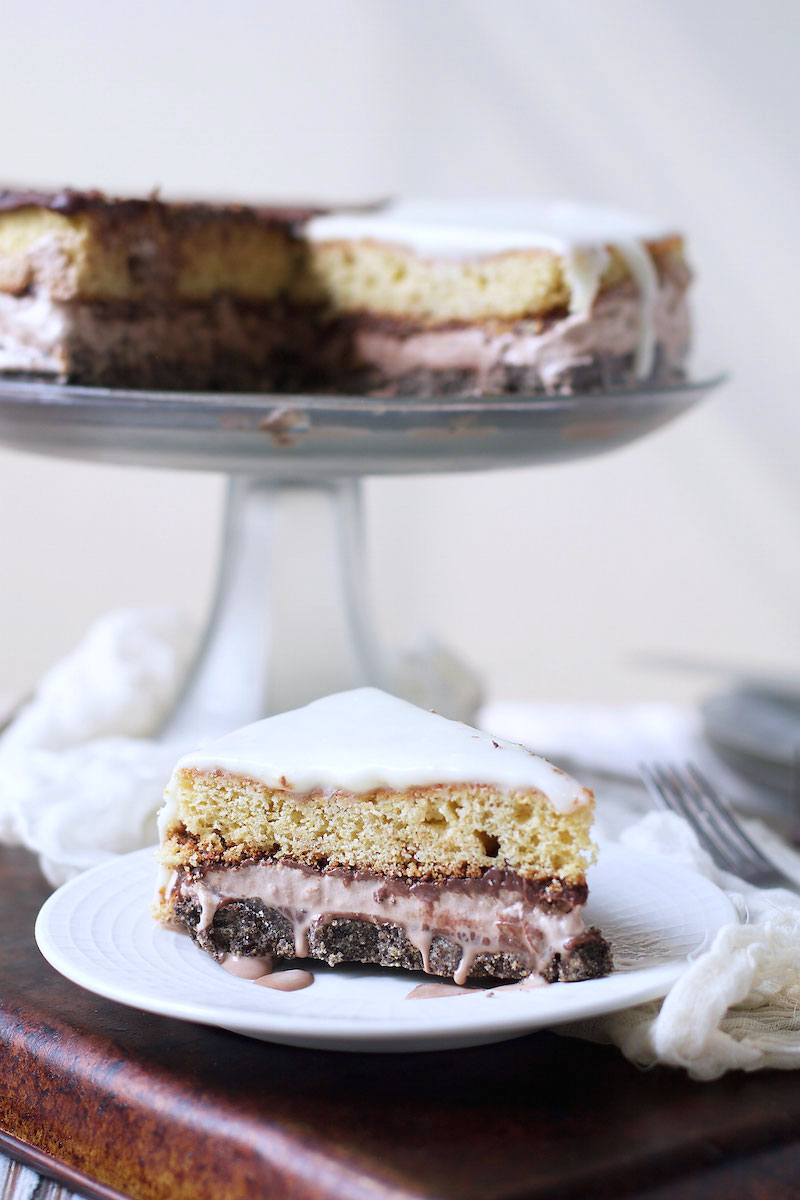slice-of-black-and-white-cookie-ice-cream-cake.jpg