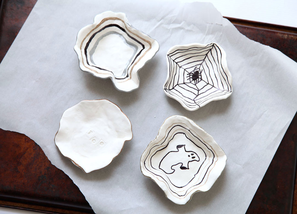 diy-candy-bowls-for-halloween-1.jpg