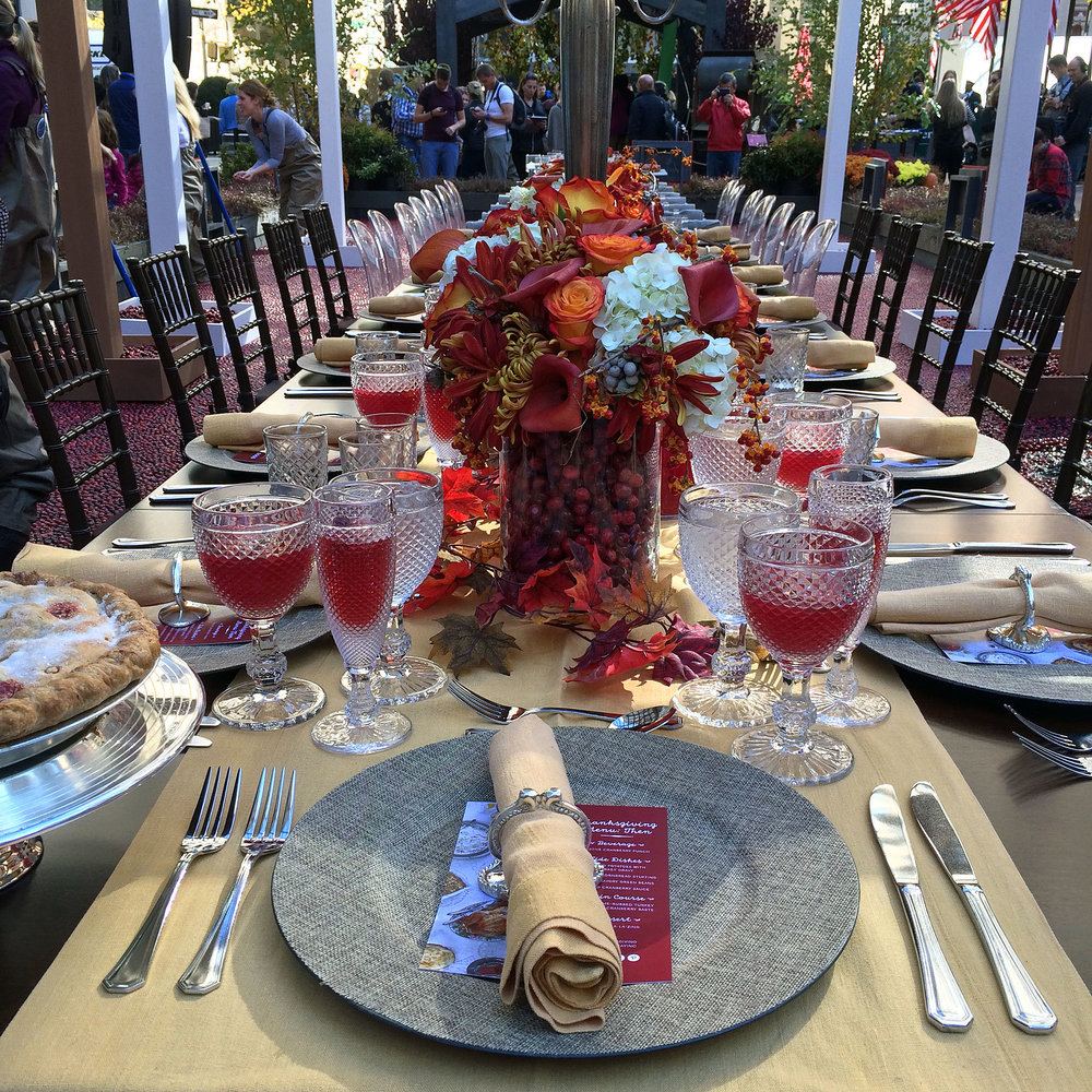 Thanksgiving-Then-Now-with-Ocean-Spray-1.jpg