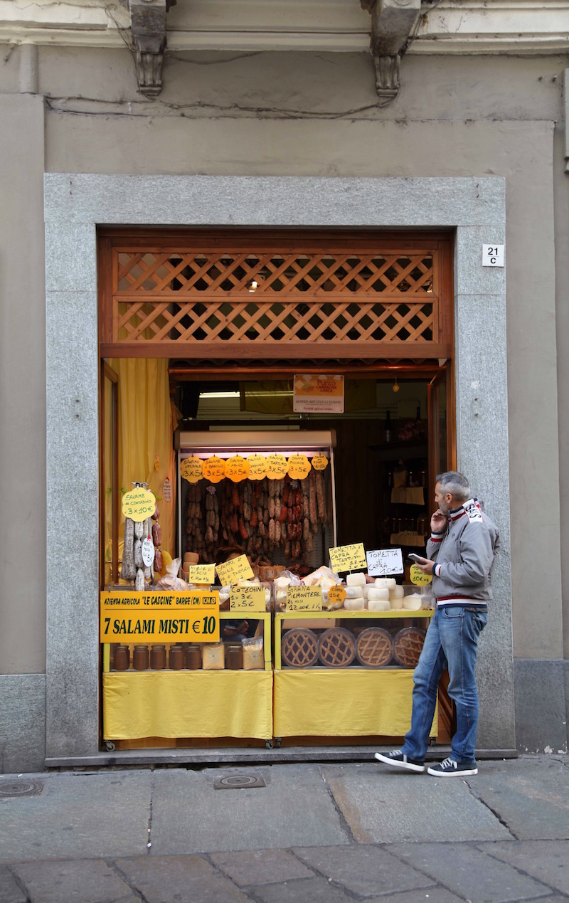 salami-stand-in-Torino.jpg
