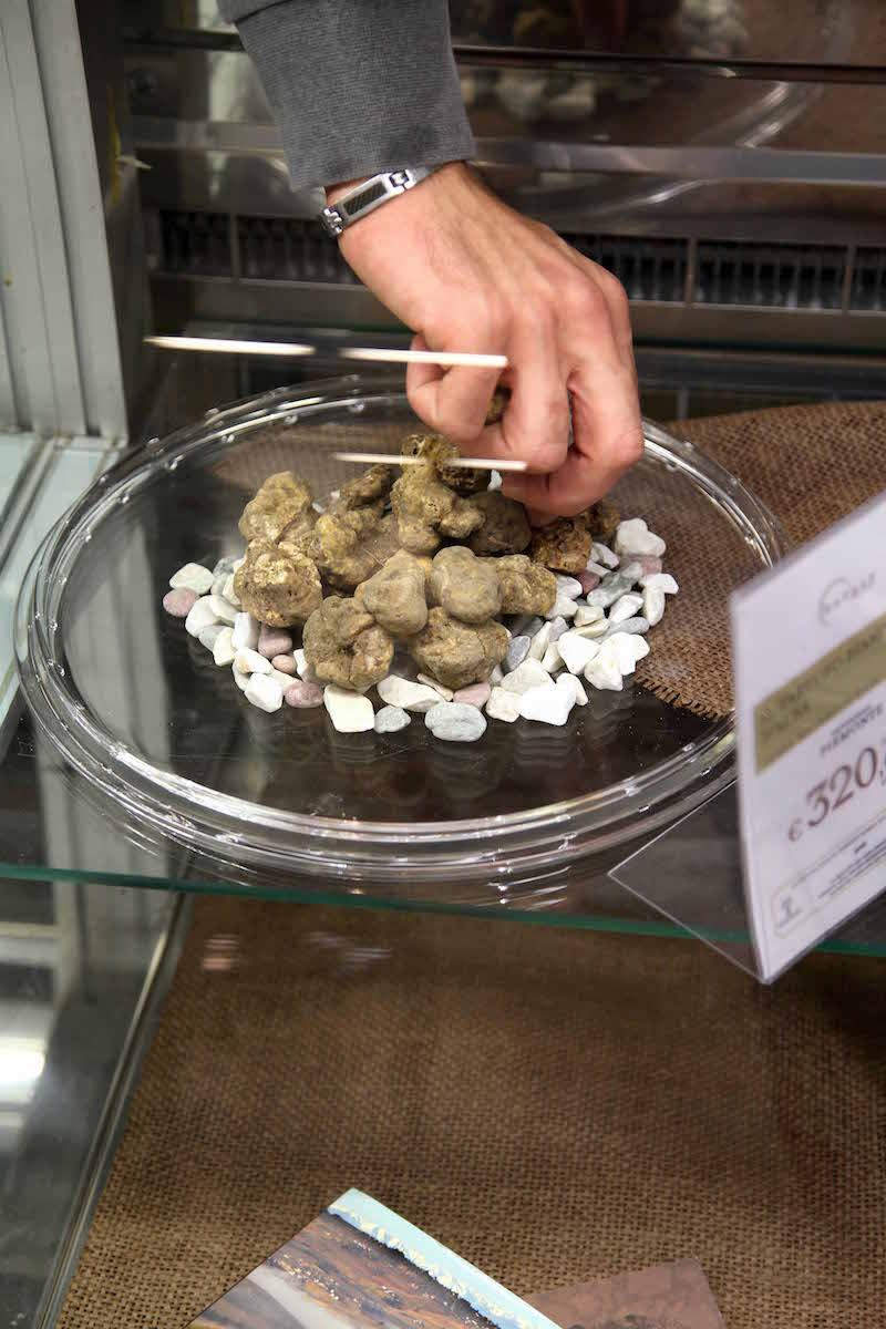 white-truffles.jpg