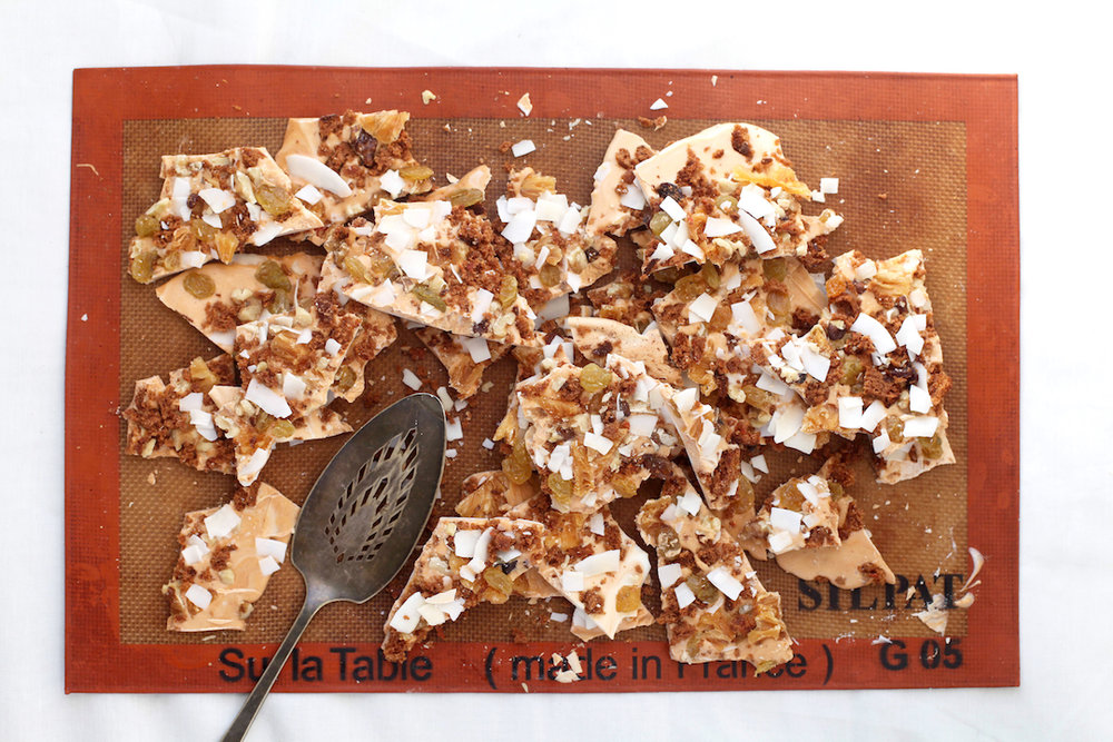 Carrot-Cake-Candy-Bark-for-easter.jpg