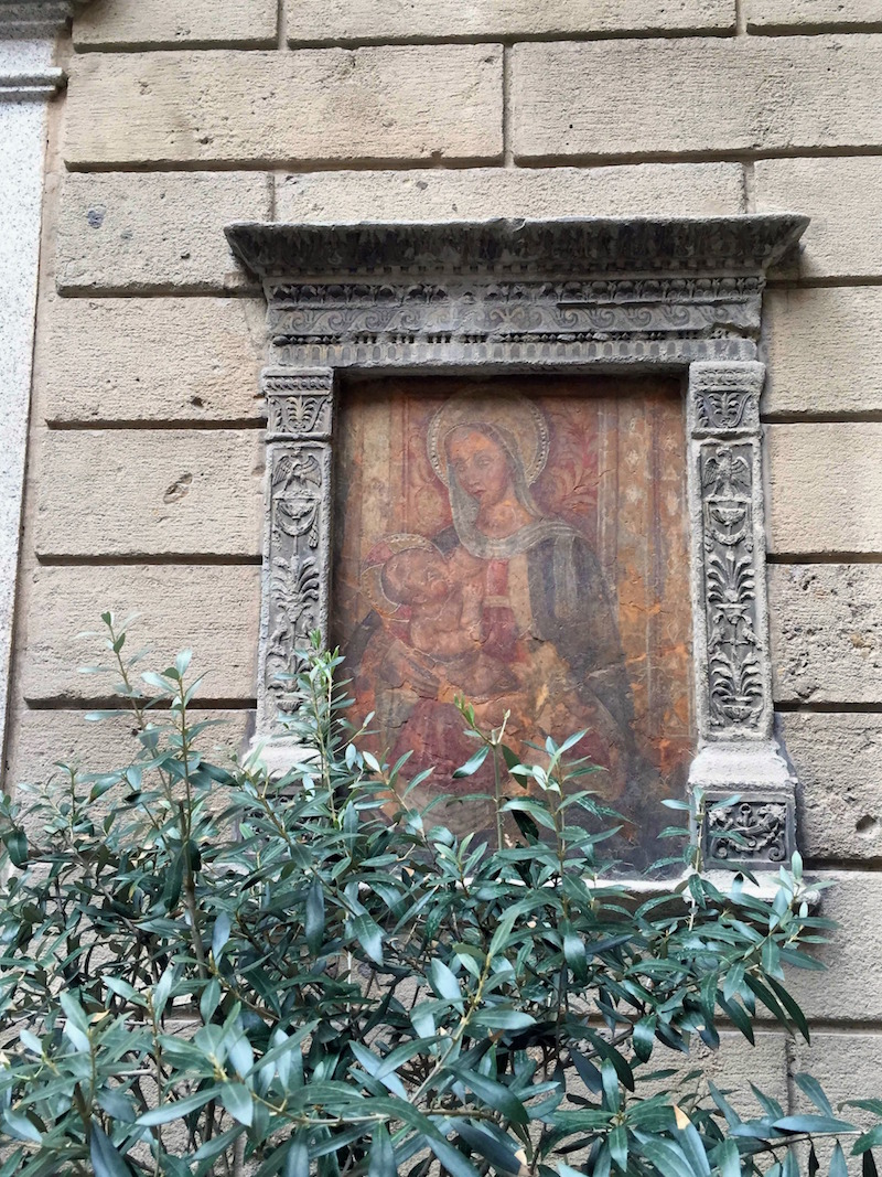 Madonna-and-child-artwork-in-Milan.jpg
