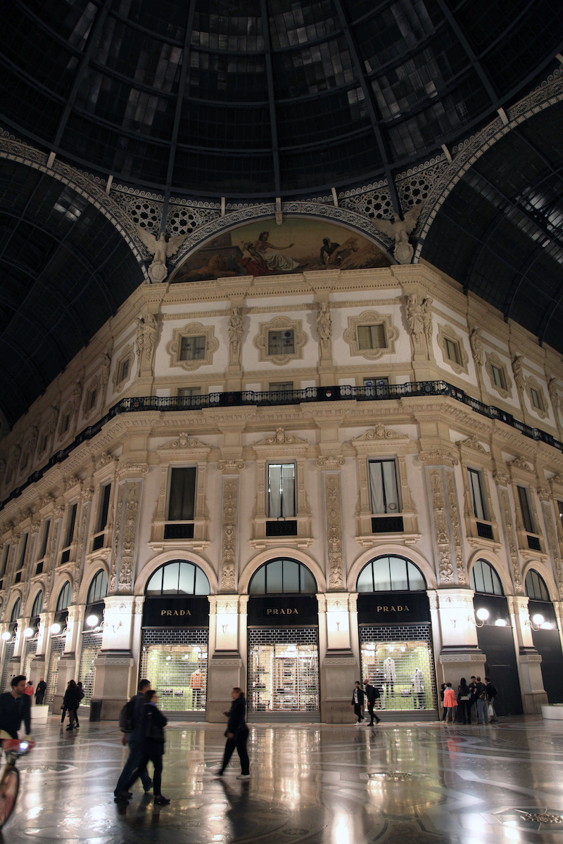 Prada-in-the-Gallerie-in-Milan.jpg