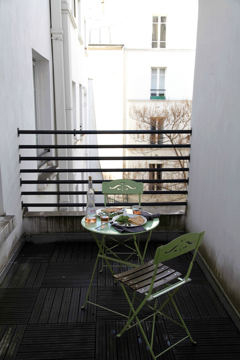 lunch-al-fresco-in-Paris.jpg
