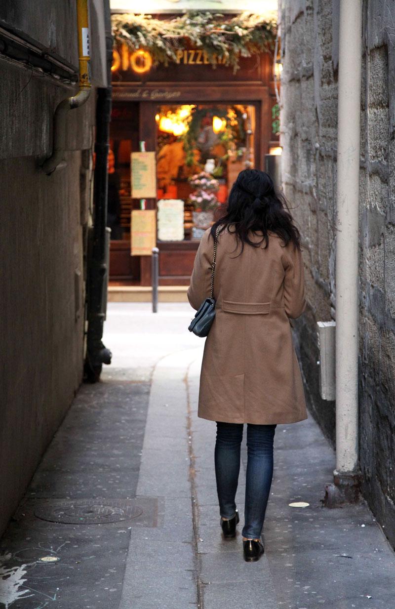 wandering-the-streets-of-Paris.jpg