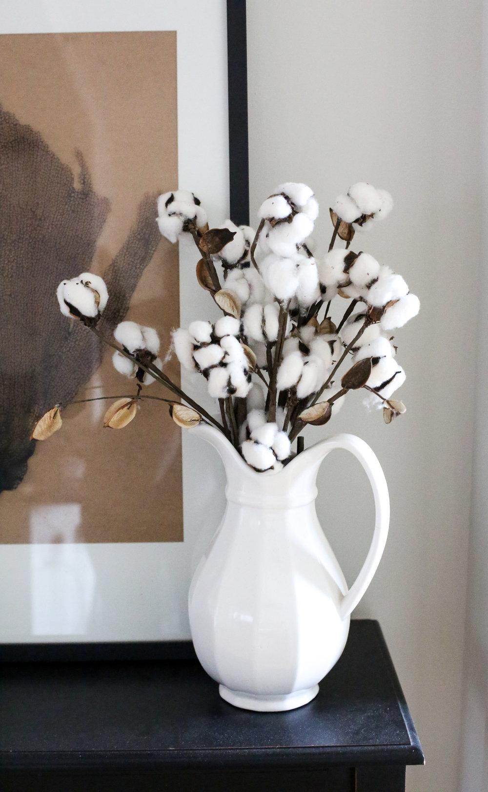 cooton-buds-displayed-as-flowers.jpg