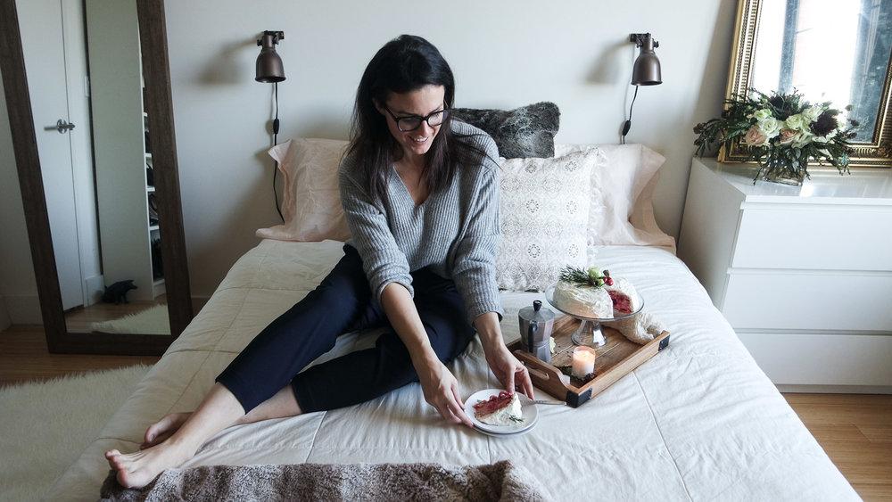 cozy-winter-bedroom-with-airweave4.jpg