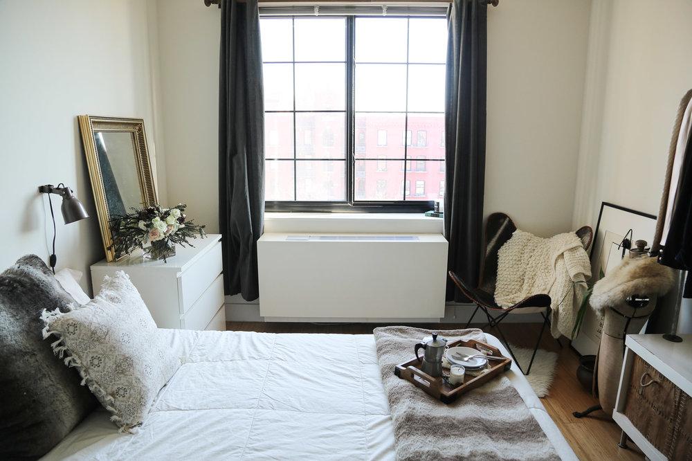 cozy-winter-bedroom-with-airweave6.jpg